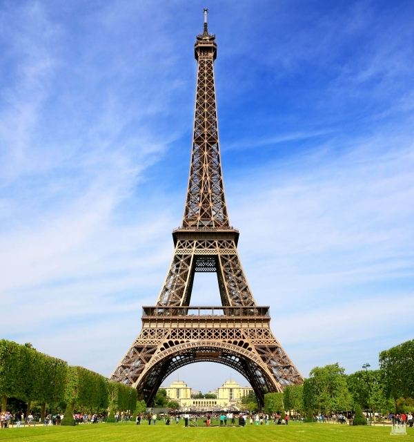 eiffel tower (эйфелева башня)