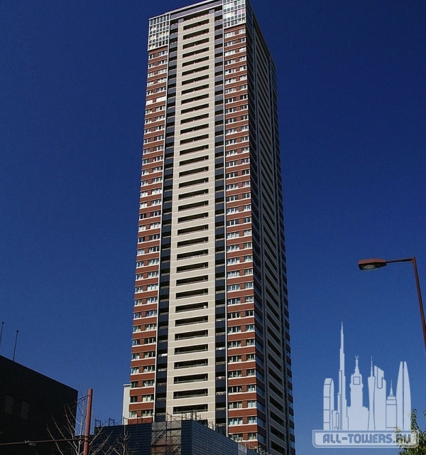 Laurel Tower Sanctus Umeda