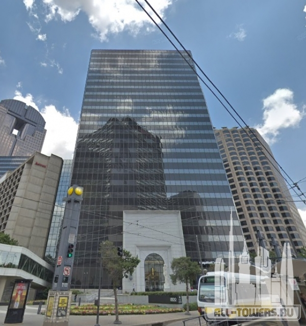 Plaza of the Americas 2