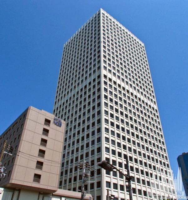 Nakanoshima Center Building
