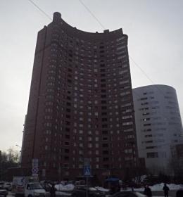 Здание на ул. Снежная 28