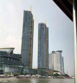 Magnolias Waterfront Residences IconSiam