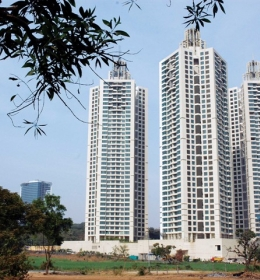 Oberoi Woods Towers