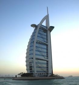 Burj al Arab (Отель Бурдж аль-Араб)