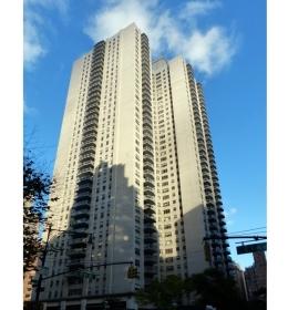 Plaza 400 Apartments